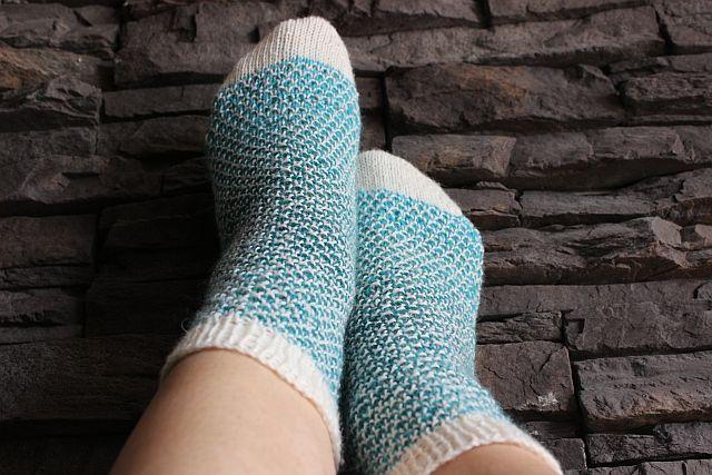 Socken stricken mit Netzmuster