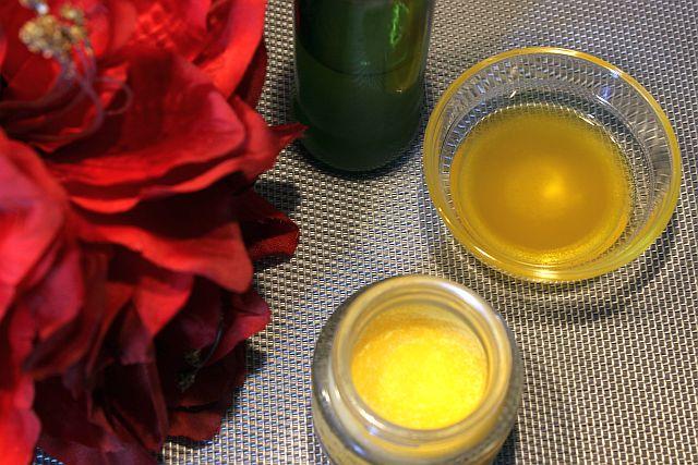 Kokos-Karotten-Öl und Sesam-Karotten-Öl, ein Beauty-DIY