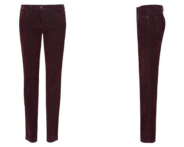 Jeans im Bordeaux-Ton